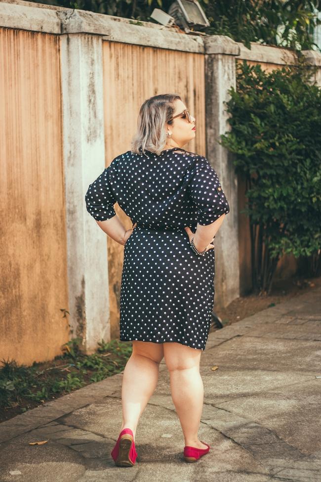 vestido-de-bolinha-plus-size