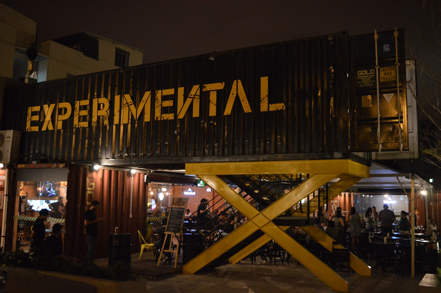 experimental container bar