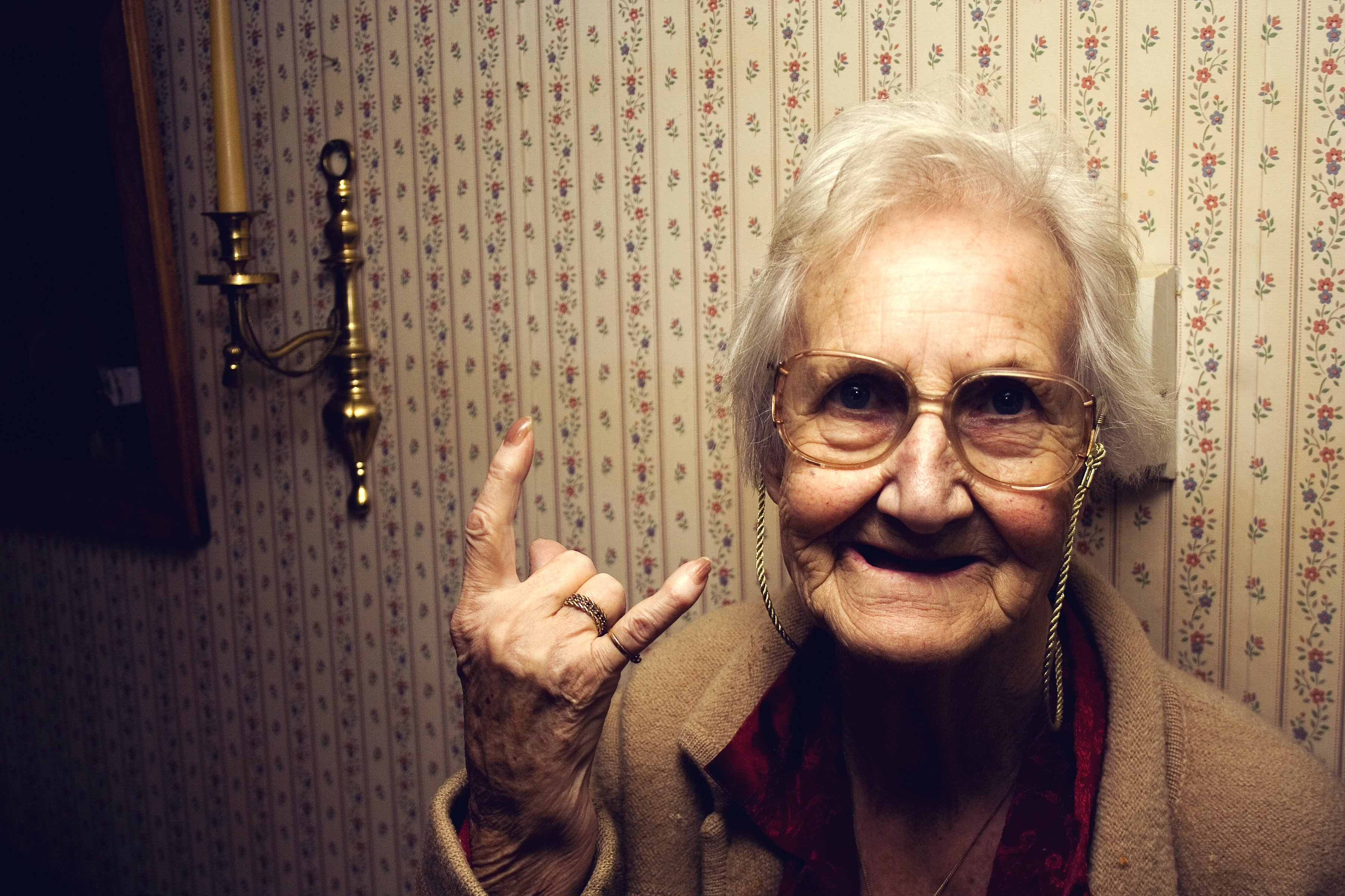 Incomodada ficava sua avó